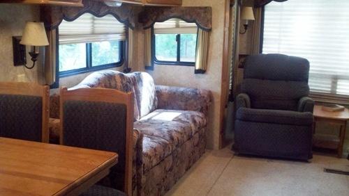 2007 Keystone Rv Montana Fifth Wheel Series M 3475 Rl 37