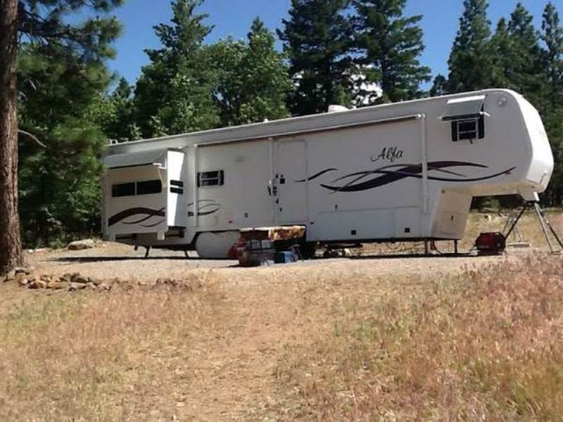 2001 Alfa Gold Fifth Wheel Triple Slide