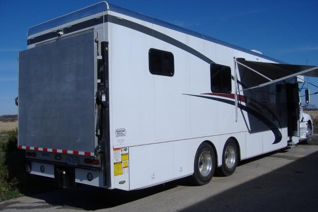 2006 Freightliner Showhauler Toterhome for sale in Illinois