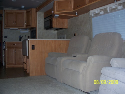 2007 Winnebago Adventurer Class A For Sale In North Carolina