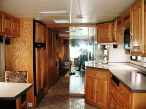 2001 HOLIDAY RAMBLER SCEPTER Class A Diesel For Sale Michigan