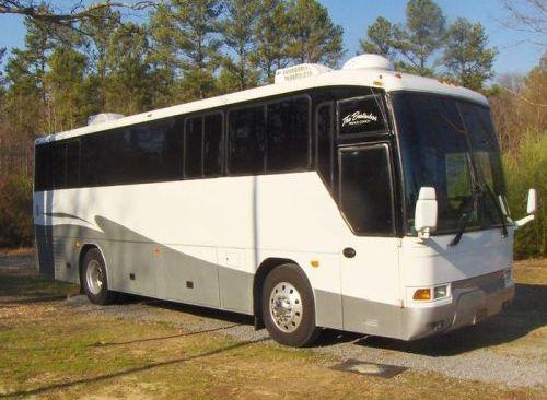 2001 MCI F-3500 Bus Conversion 35ft FSBO in Rockmart, Georgia