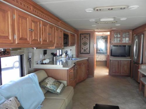 2009 Tiffin Phaeton Qrh W 4 Slides 42 5ft For Sale In Texas