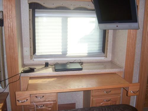 rv computer desk table urban home designing trends u2022 rh suzanstirling com