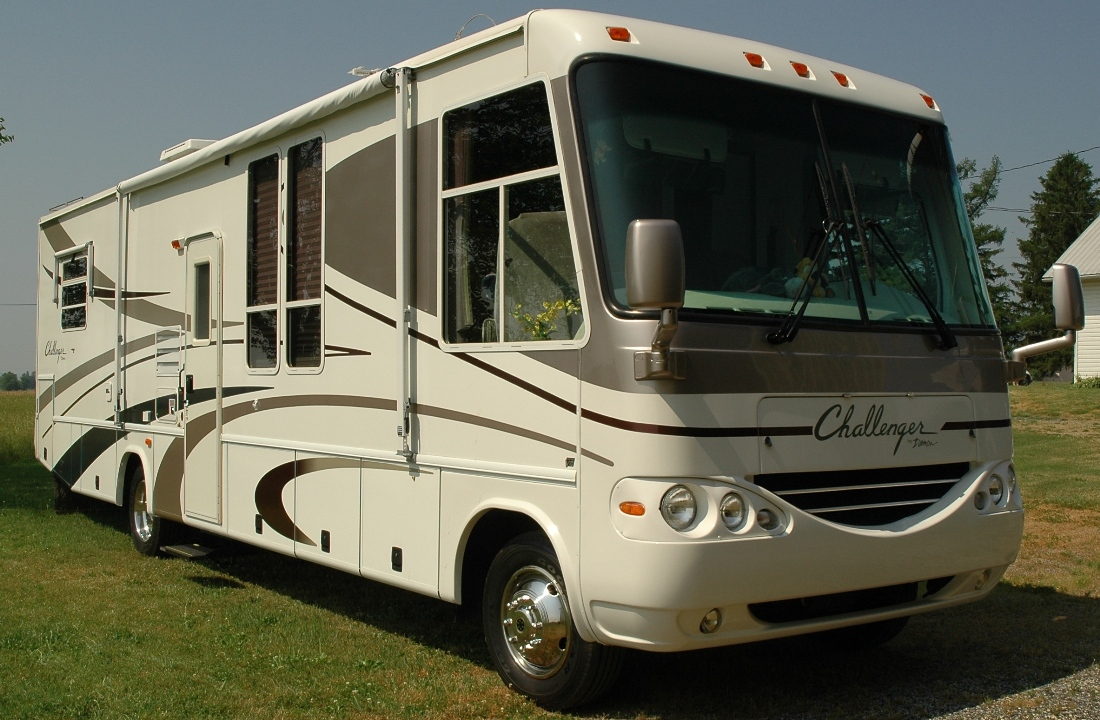 Awesome This Is A Beautiful 29 Foot Widebody Motorhome Minnie Winnie DL With A Triton V10 Gas Motorapprox10mpg The Unit Is Build On A Ford E Super Duty Chassis By Winnebago Cab Features  Cruise Control, Power Windows, Door Locks,