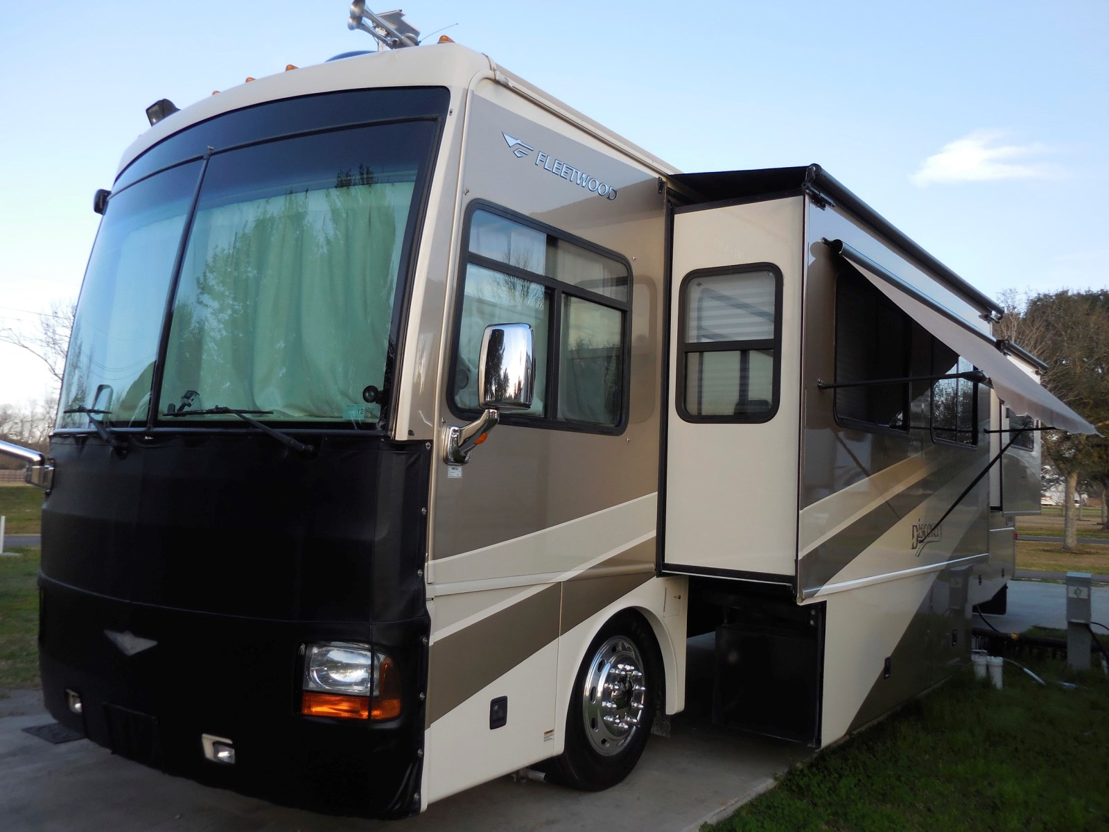2006 fleetwood discovery 39s used motorhomes and rvs for sale. Black Bedroom Furniture Sets. Home Design Ideas