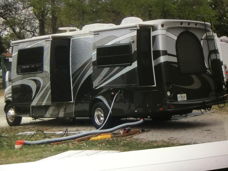 2007 Coachmen Concord 275ds